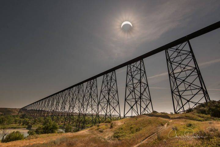 lethbridge-viral-eclipse-photo